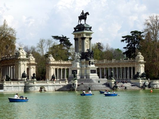 ide to parks in madrid Retiro